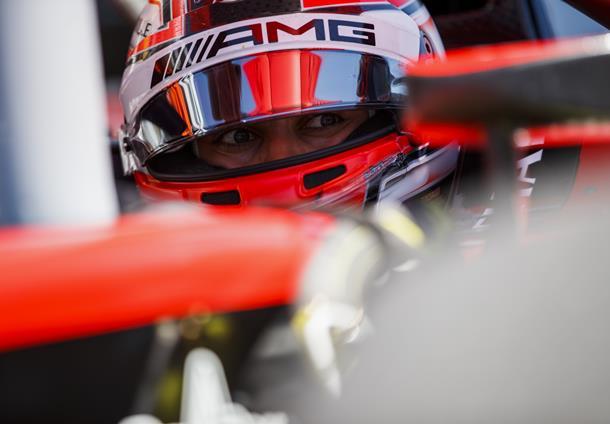 Fórmula 2: George Russell marca a pole para o GP da França; Brasileiro larga em 4º