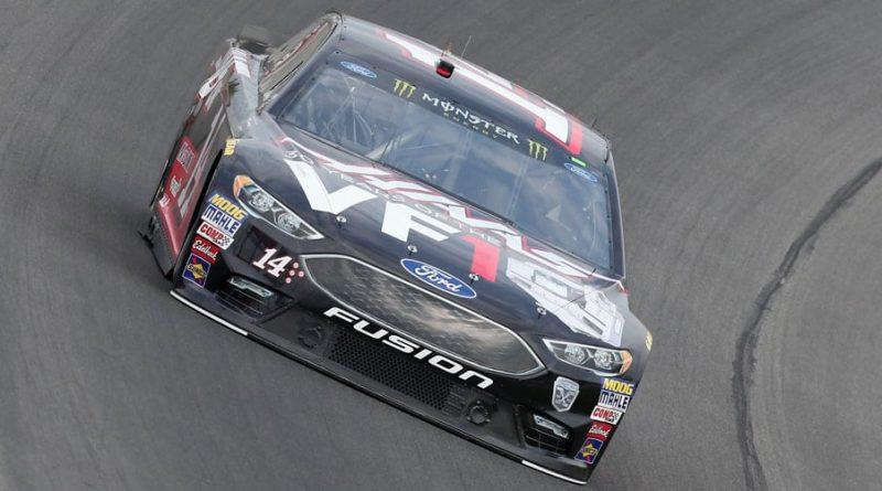 NASCAR Monster Energy Cup Series: Clint Bowyer vence prova encurtada pela chuva