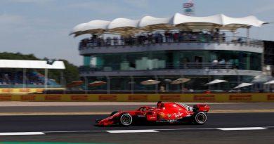 F1: Sebastian Vettel é o mais rápido no segundo treino livre para GP da Inglaterra