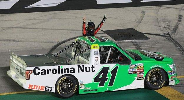 NASCAR Camping World Truck Series: Ben Rhodes vence em Kentucky