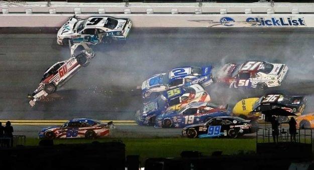 NASCAR XFINITY Series: Kyle Larson vence em Daytona