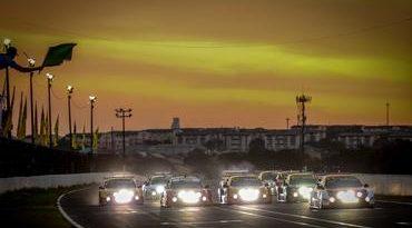 Sprint Race: Corrida Noturna sensacional e vitórias de Diego Ramos (PRO) e Luciano Zangirolami (GP)