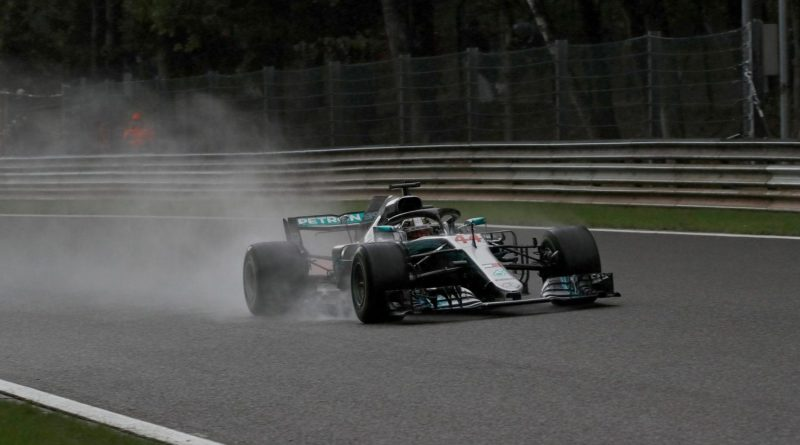 F1: Sob chuva, Lewis Hamilton marca a pole para o GP da Bélgica