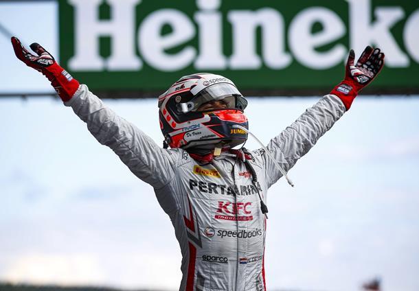 Fórmula-2: Nyck De Vries e Nicholas Latifi vencem na Bélgica