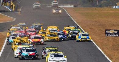 Stock Car: Rubens Barrichello vence a Corrida do Milhão