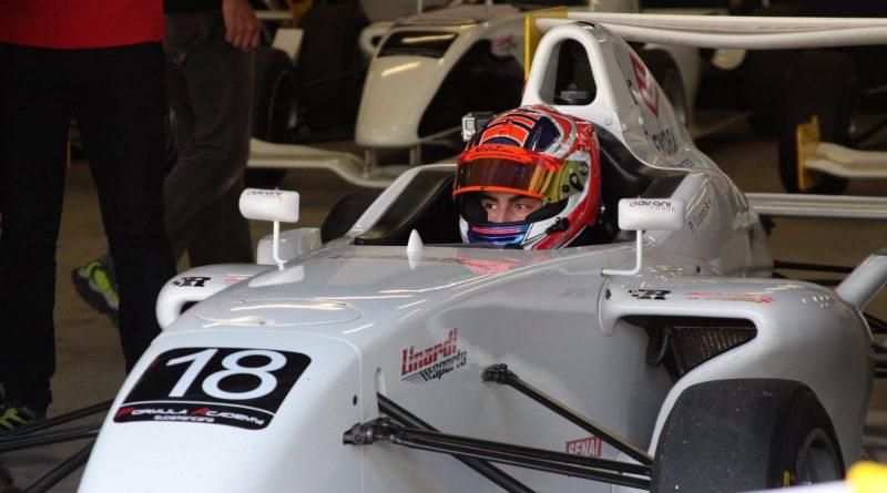 Pedro Lopes marcou a pole na Fórmula Academy Sudamericana e venceu em sua estreia no automobilismo