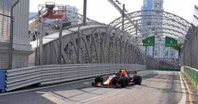 F1: Red Bull estuda usar motor Renault antigo após problemas em Singapura