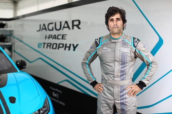Jaguar I-PACE eTROPHY: Equipe Jaguar Brazil Racing terá dois carros patrocinados por ZEG e iCarros, com Cacá Bueno e Sérgio Jimenez