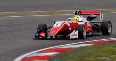 FIA Formula 3 European Championship: Mick Schumacher vence as três provas em Nürburgring e entra na luta pelo título
