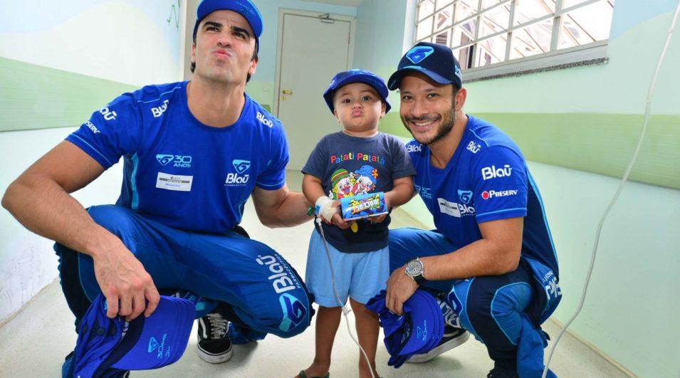 Pilotos da Blau Motorsport visitam Hospital do Câncer de Goiânia e agitam público com Pit Stop