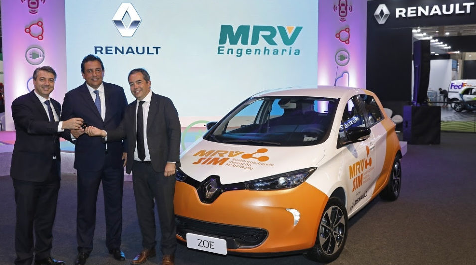 Renault entrega milésimo carro 100% elétrico da marca vendido na América Latina