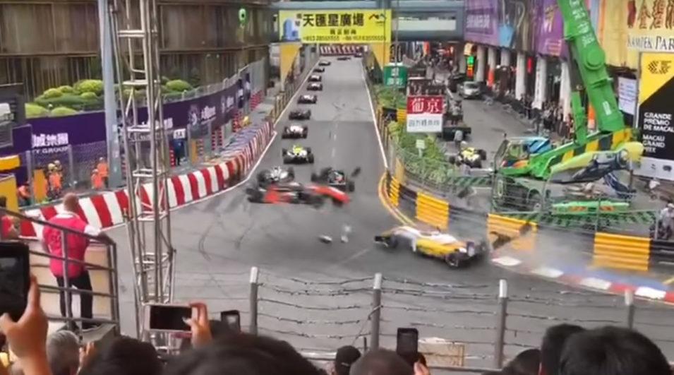 F3 Macau: Veja o grave acidente com a piloto Sophia Flörsch