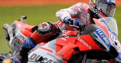 MotoGP: Andrea Dovizioso vence prova caótica em Valência