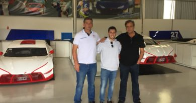 Pietro Rimbano (centro) com os irmãos Sérgio e Edgard Gomes