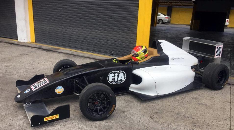 João Pedro Maia testou o carro da Fórmula 4 FIA Argentina